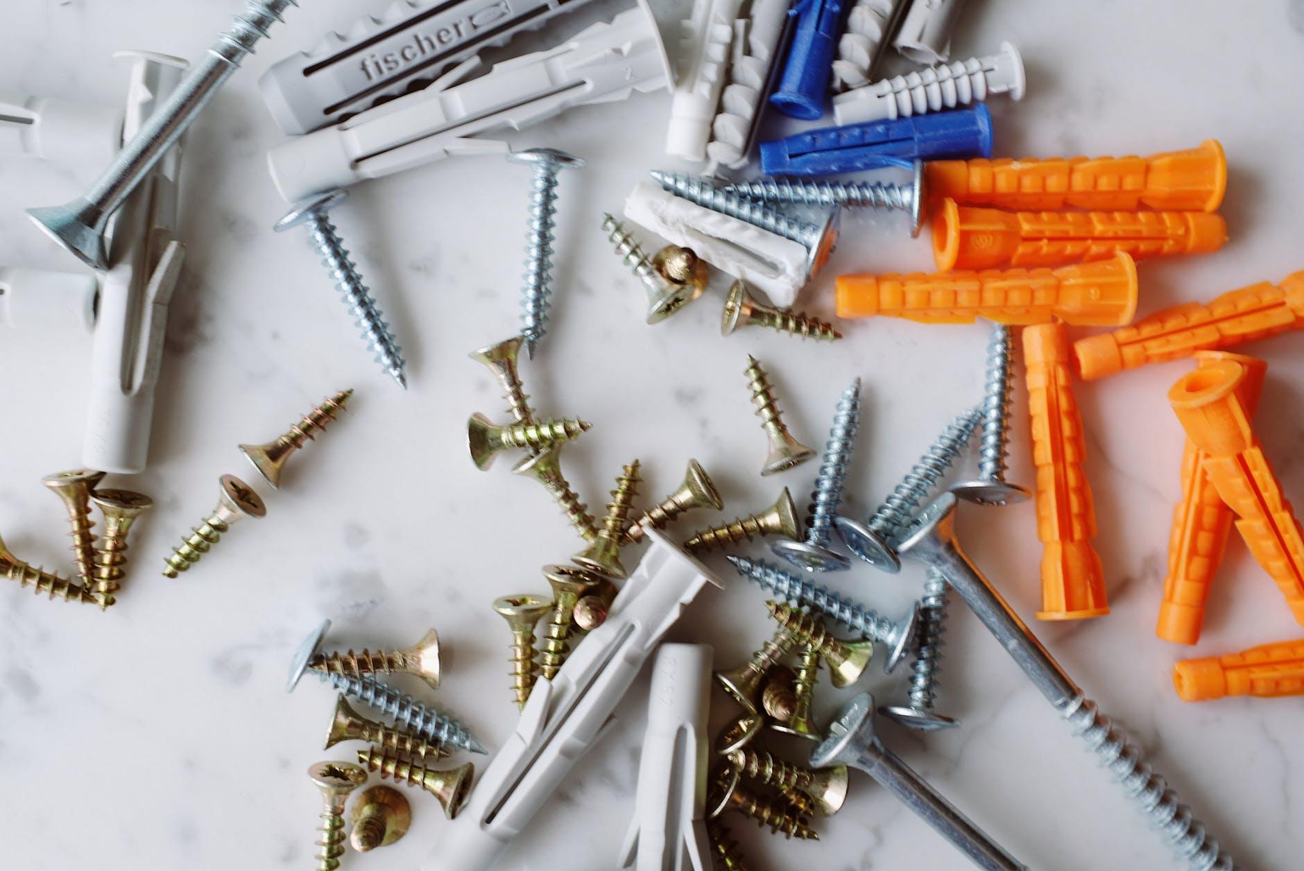 求子偏方:招子的道具不只是金鏟子,還有釘子也有類似功能。