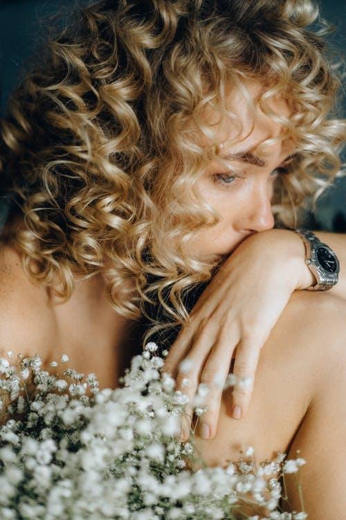 如果遇到愛比較的長輩,媳婦很容易就會興起「我也想要被稱讚」的情緒。