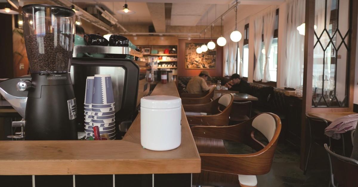 台南巷弄里的老派时髦「PariPari」──《总有一家咖啡馆在等你:咖啡因地图》新书转载 | 妞书僮