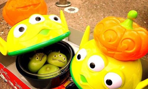 谁能抵抗软QQ的「南瓜三眼怪包子」?!日本迪士尼万圣限定美食大特蒐