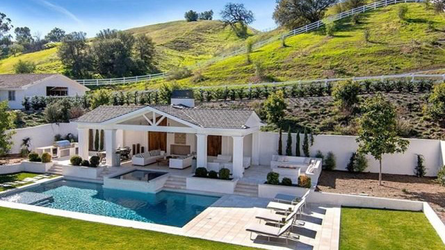 「赛威CP」买豪宅不手软!小天后赛琳娜加州千万元新家大公开